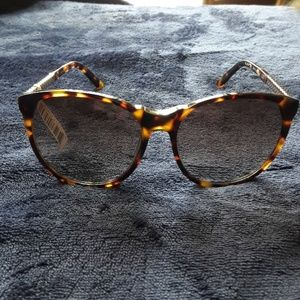 Authentic nwt balmain sunglasses